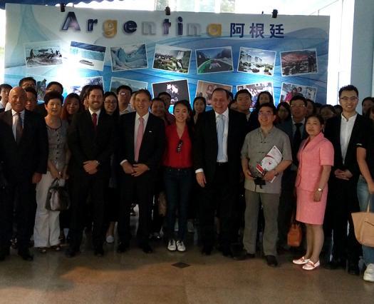 Santos en Beijing: buscamos aumentar el arribo de turistas chinos