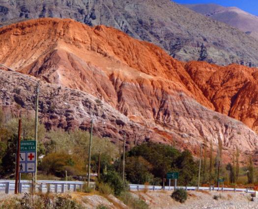 Jujuy tendrá tren turístico: recorrerá los paisajes norteños en plena Quebrada