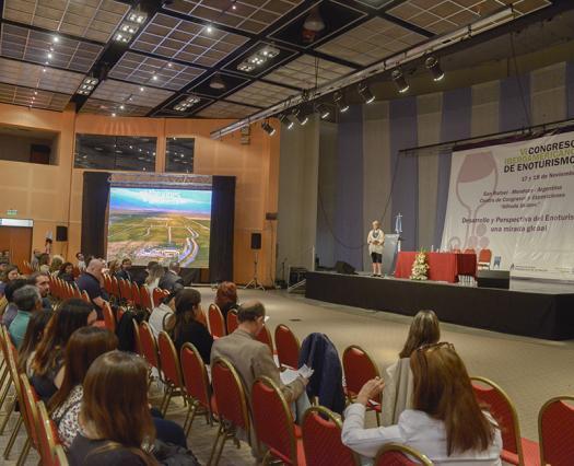 Congreso Iberoamericano de Enoturismo en Mendoza: fortalecemos el turismo del vino